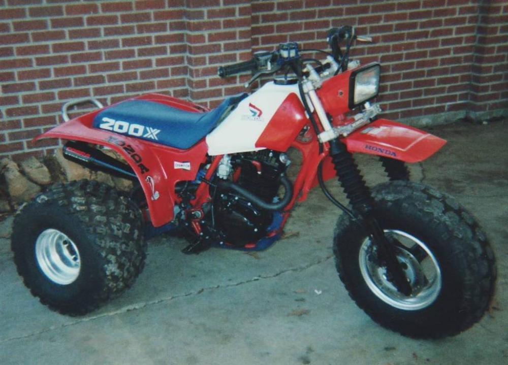 1985 Honda ATC200X (1/4)