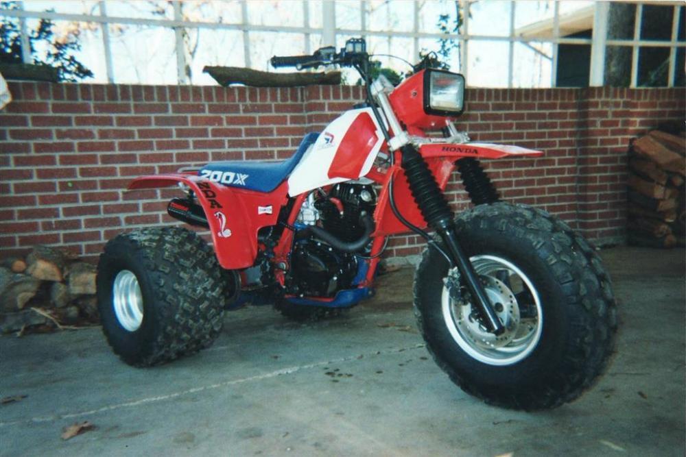 1985 Honda ATC200X (3/4)