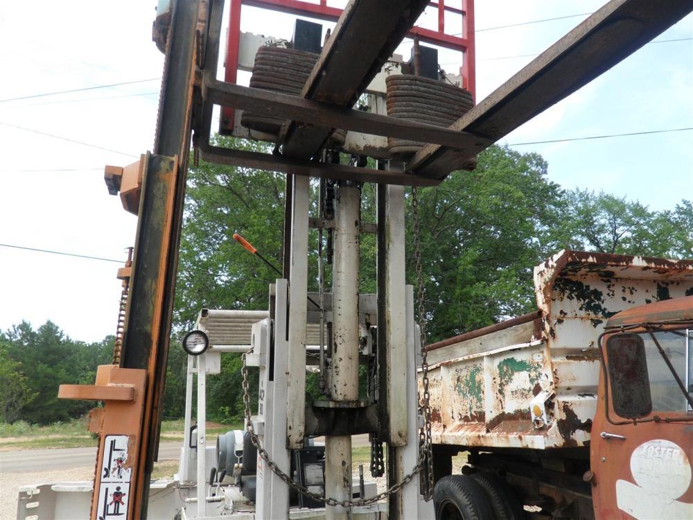 Allis-Chalmers Forklift Cylinder Repair (6/6)