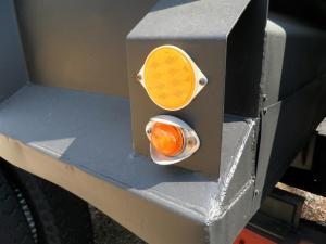 Front marker light (amber).