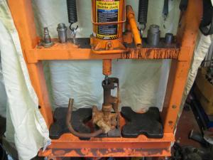 Cylinder In Press